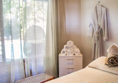 mint-wellness-camps-bay-retreat-treatment-room